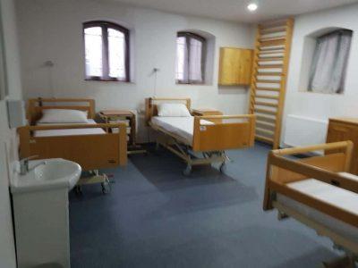 Salon cu 4 paturi